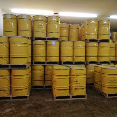Einlagerung der Honigfässer in Mexiko